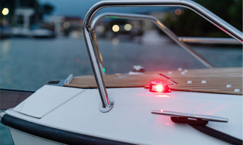 t65_navigation_lights_850x560